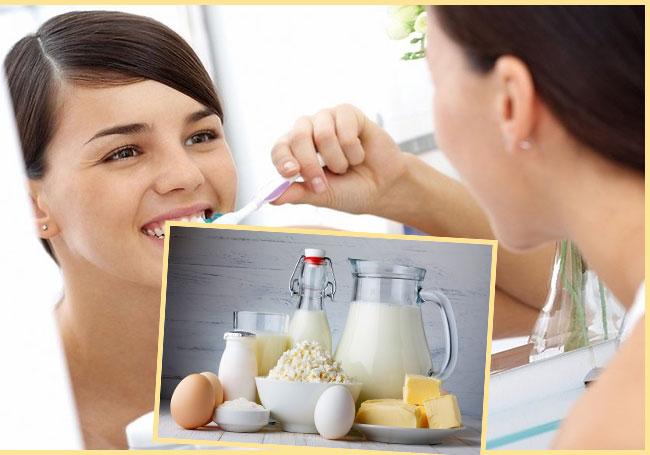 Женщина чистит зубы и молочные продукты
